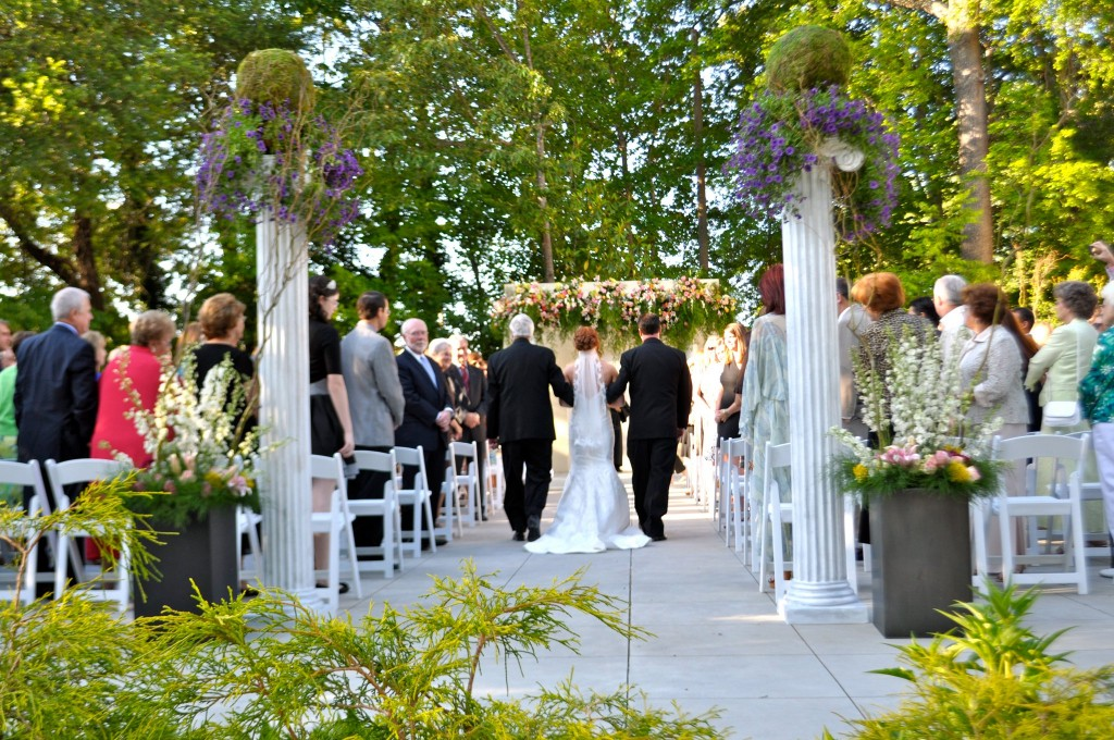 173 Carlyle House Outdoor Wedding